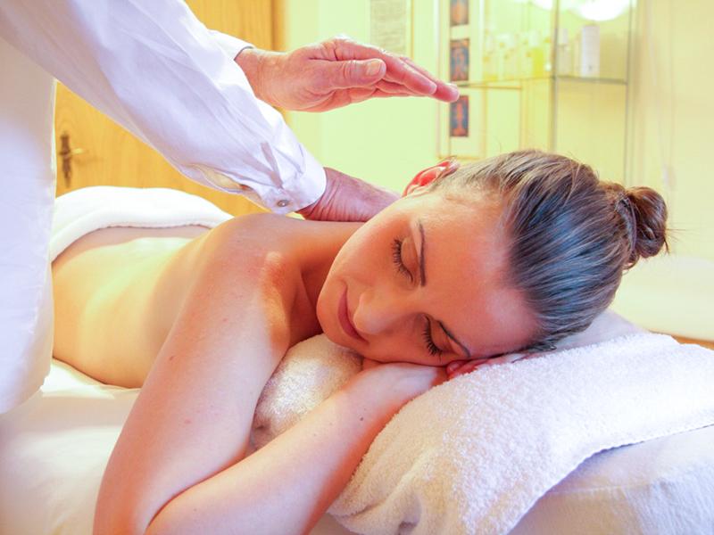 Le massage naturiste, une mode de 2021 !
